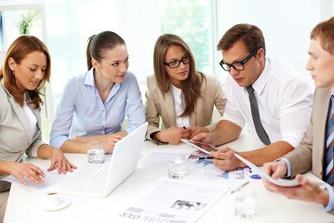 Etapas-del-proceso-de-toma-de-decisiones-en-una-organización